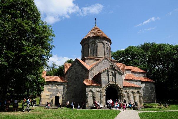 Цалка - Церковь
